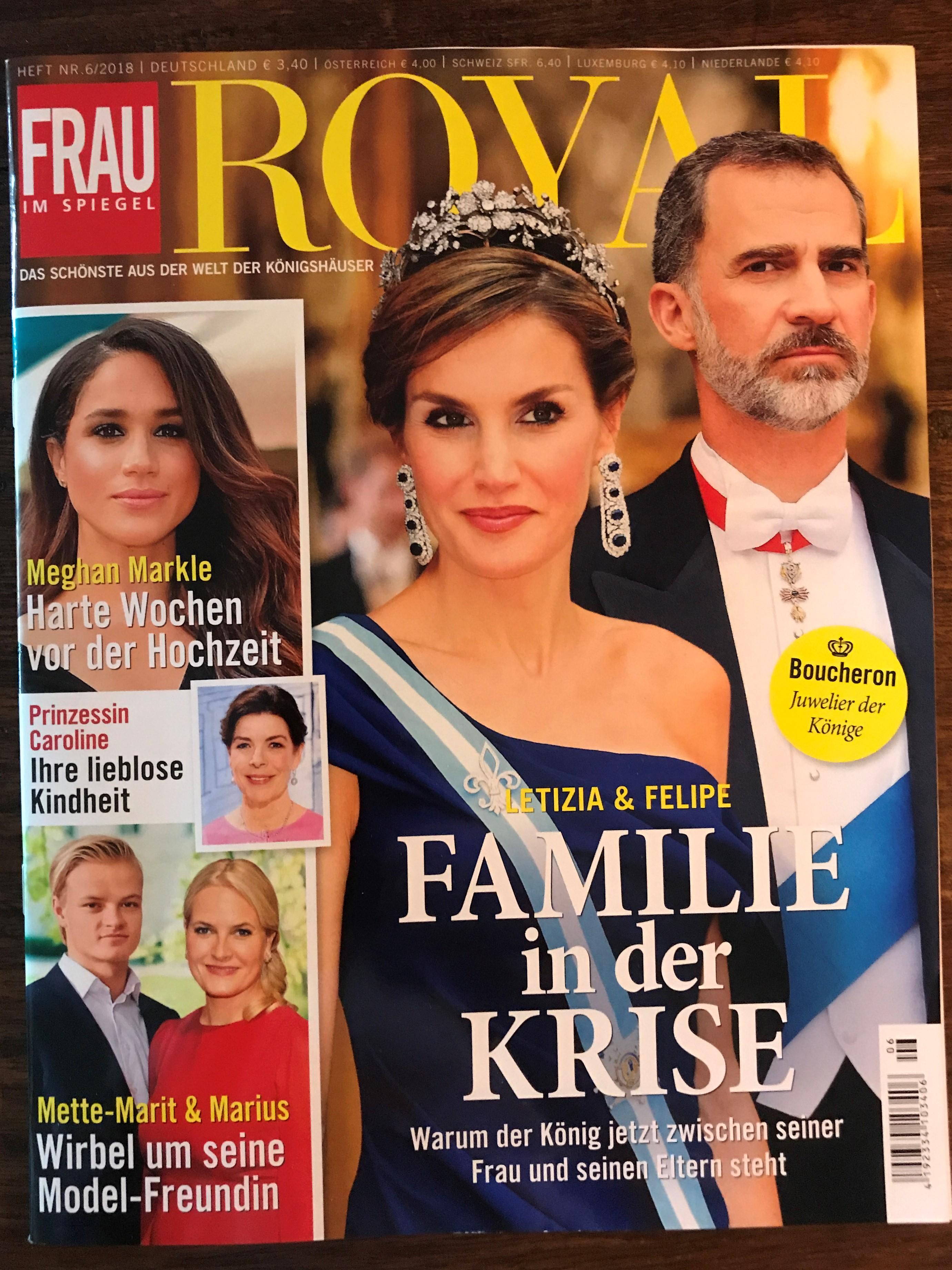 Frau Im Spiegel ROYAL_1 ...